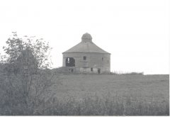 Many barns sit idle these days. At one time there were a number of round barns in the county. This one was on the Herold bluff. Photo courtesy MaryAnn Hurlburt